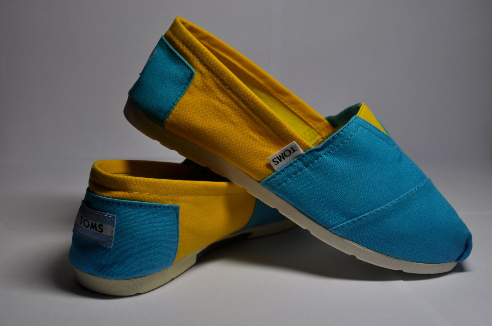 7b3cf143336d Blue and Yellow Canvas Womens Classics Blue and Yellow Canvas Womens  Classics ...